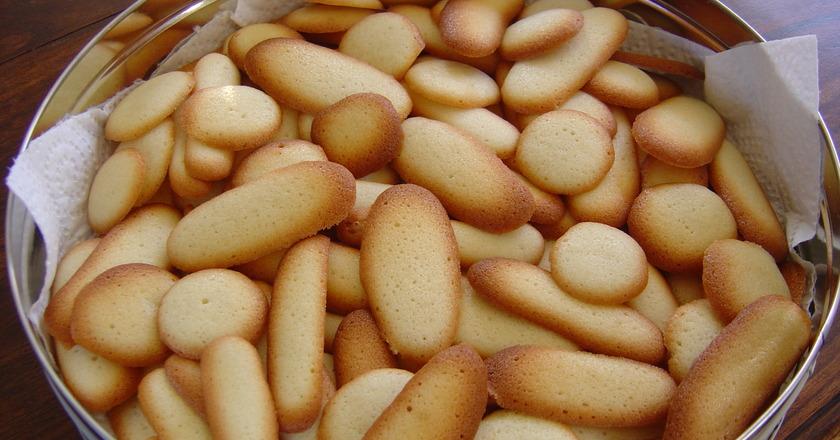 Печенье «Кошачьи язычки»: 30 минут, 4 ингредиента и полная корзинка лакомств